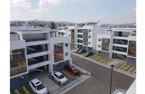 Venta De Departamento Con Roof Garden En Corregidora, Querétaro En $1,490,000.-