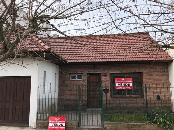 Casa 3 Amb + Garage + Patio Oportunidad