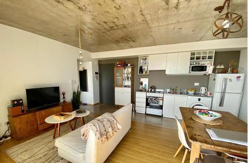 Venta- Departamento Un Dormitorio- Balcón- Macrocentro- 27 De Febrero E Italia