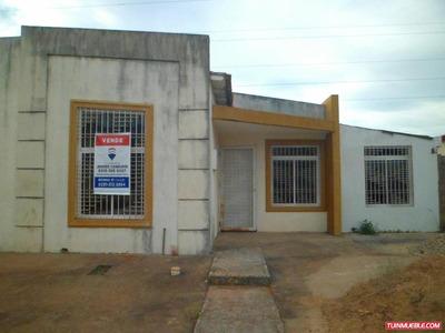 Casas En Venta En Jardines De La Cruz