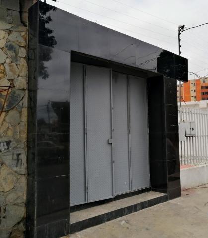 Local Comercial En Alquiler Nueva Segovia Rahco