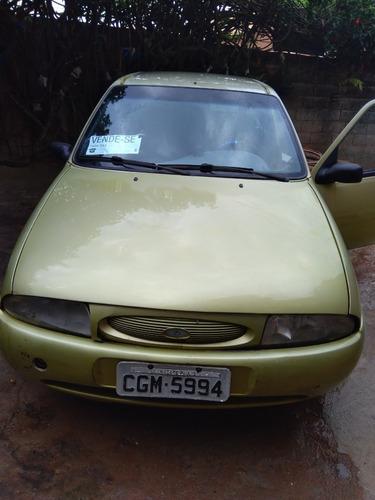 Imagem 1 de 6 de Ford Fiesta Verde  2 Portas