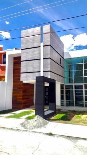 Casa Moderna Con Amplias Estancias Villas Del Álamo