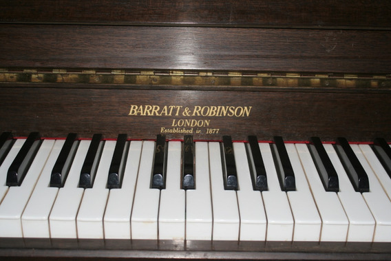 Piano Vertical Barratt & Robinson London 1877 Con Banco