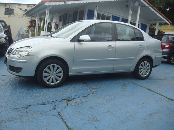 Volkswagen Polo Sedan 1.6 Flex 4 P. Ano 2012