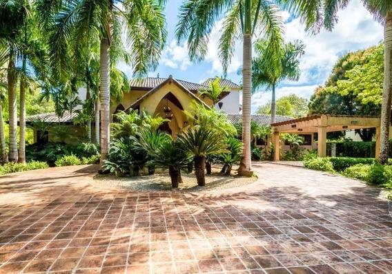 Hermosa Villa En Casa De Campo