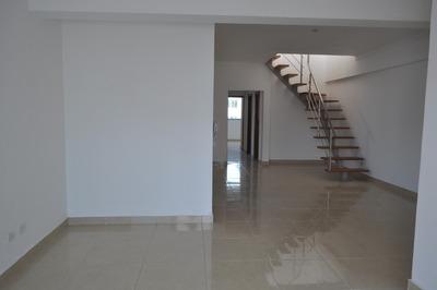 Coqueto Penthouse En Venta En La Urbanización Real 3h. 3b