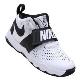 1471127e170 Tênis Infantil Nike Team Hustle D 8 Masculino Branco E Preto