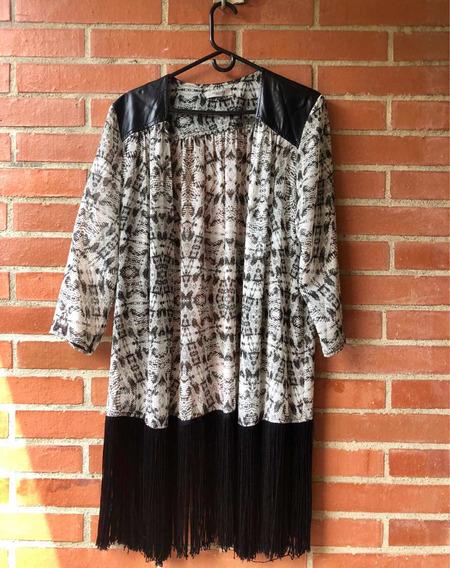 Kimono Negro Y Blanco Con Flecos