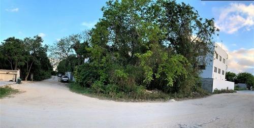 Terreno En Venta Esquina Zona Residencial Cerca A Centro Maya Playa Del Carmen