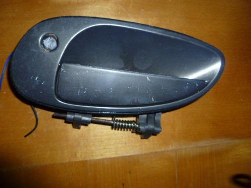 Vendo Manigueta Delantera Izquierda De Kia Claurus, 1999