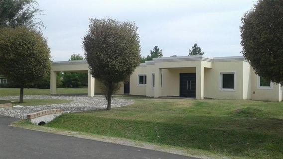 Casa De 4amb. Con Piscina - El Nacional Club De Campo