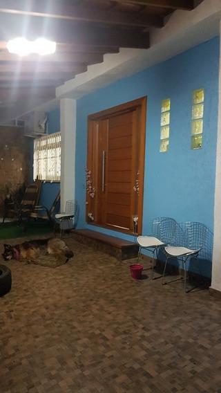 Casa 3 Suítes C/1 Master 6 Vagas E Piscina Aquecida 340mts2