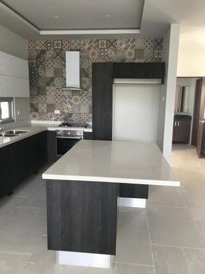 Venta De Casa Residencial Aqua Cancún 5 Recamaras Amplias