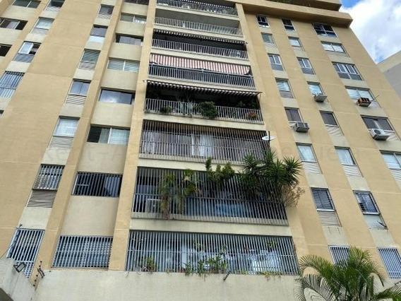 Apartamento En Alquiler 20-7077