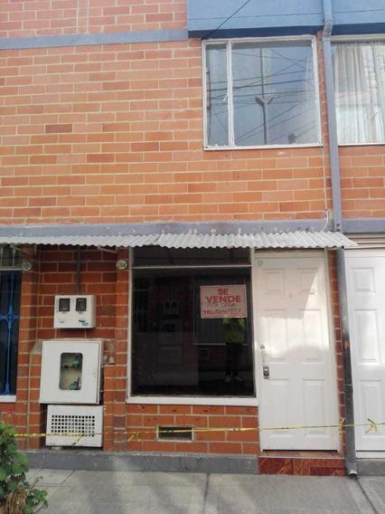 Casa De 2 Habitaciones 1 Baño, Sala, Comedor, Cocina, Patio