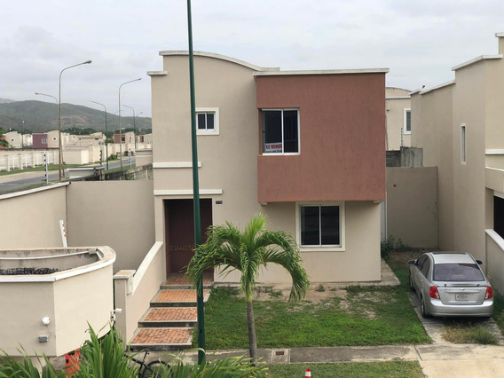 Casa En Venta Zona Este Barquisimeto Lara 20-21927