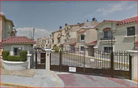 Bonita Casa En Urbi Quinta Montecarlo Col Provenza
