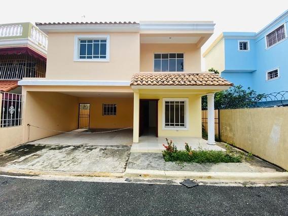 Casa En Alquiler - Autopista De San Isidro