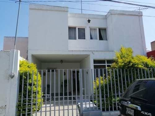 Se Vende Casa En El Centro De Ocotlán, Jal.