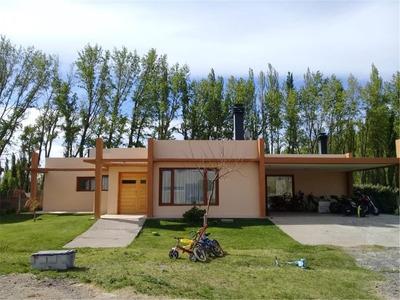 Casa 3 Dormitorios Con Pileta B° Privado Los Olivos Neuquén