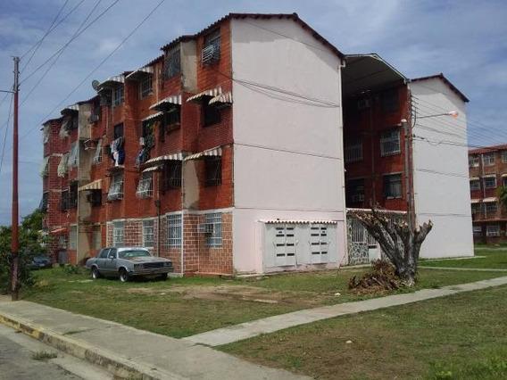 Apartamento En Venta Urb Madre Maria Maracay/ 20-21498 Wjo