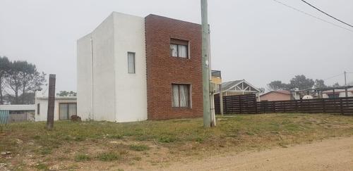 Casa 3 Dormitorios Con Barbacoa