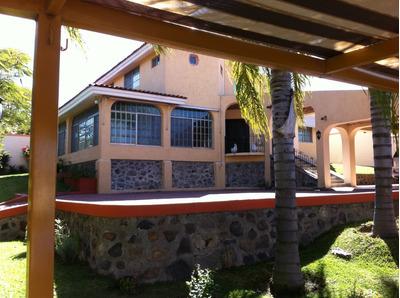 Casa En Venta En Acatlan De Juarez Fraccionamiento Marivallas Jal.