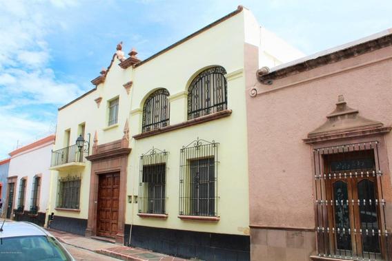 Casa En Venta En Centro, Queretaro, Rah-mx-20-3713
