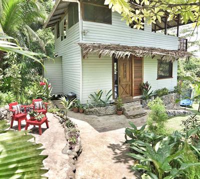Casa Cerca La Playa. House By Bluff Beach
