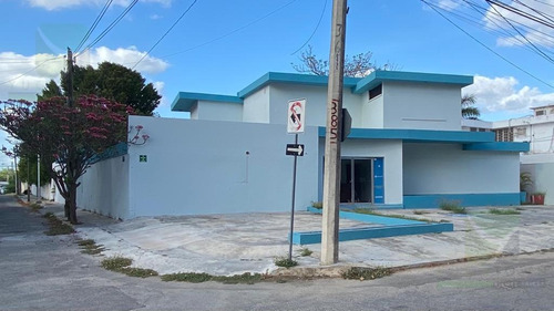 Imagen 1 de 22 de Casa O Edificio Comercial Ideal Para Oficinas En Colonia México A Una Cuadra De Paseo Montejo