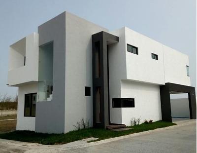Casa Con Alberca En Lomas Residencial En La Rivera Veracruzana