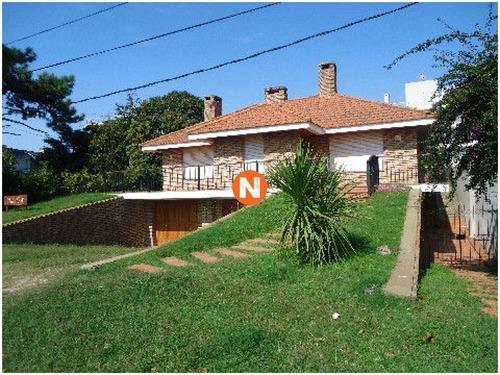 Casa En Venta, Aidy Grill, Punta Del Este, 3 Dormitorios.- Ref: 208614