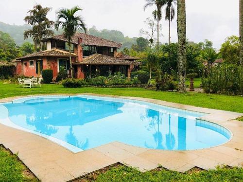Casa Com 3 Dormitórios À Venda, 350 M² Por R$ 1.800.000,00 - Albuquerque - Teresópolis/rj - Ca0256