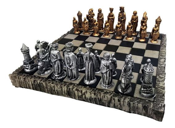 Jogo De Xadrez + Tabuleiro Peças Medieval Tematico De Resina