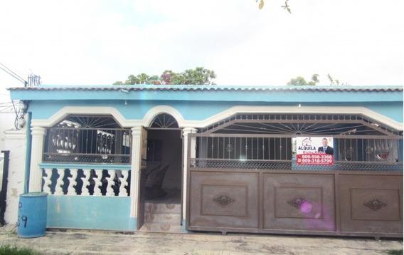 Cómoda Casa En Alquiler En Hato Nuevo Manoguayabo