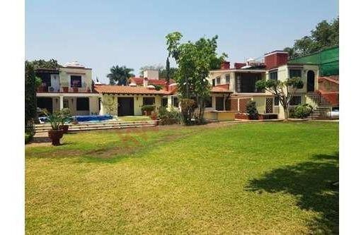 Casa Sola En Renta, Amueblada, Estilo Cuernavaca, Ubicada En Zona Norte De Cuernavaca.