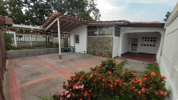 Rah: 20-3866. Casa En Alquiler En El Recreo