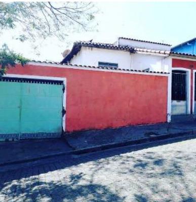 Casa Á Venda Em Cruzeiro- Sp