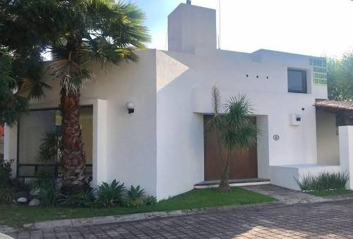 Casa En Venta, Fraccionamiento Cerrado, En Cholula