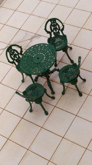Mesa Com 4 Cadeiras - Área Externa - Ferro Fundido