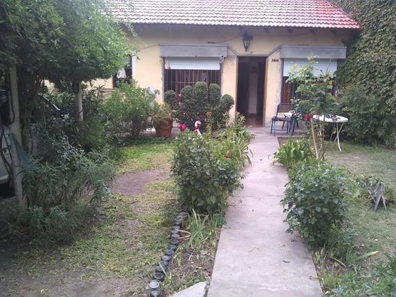 Casa En Alquiler En Barrio Aeropuerto La Plata