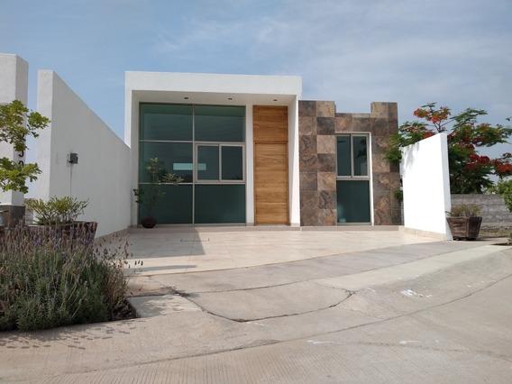 Casa 1 Planta, Dos Recámaras, Amplio Terreno.