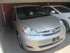 Toyota Sienna Xle At 2010
