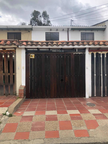 Hermosa Casa En Cajica Centro 145 Mts. Excelente Ubicación