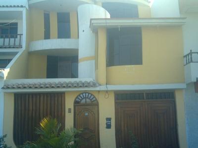 Hermosa Casa En La Avenida Los Cipreces