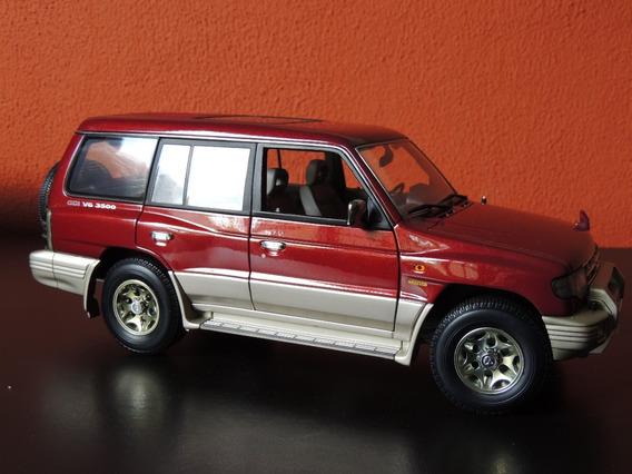 Miniatura Suv Mitsubishi Pajero Vinho 1:18 Auto Art