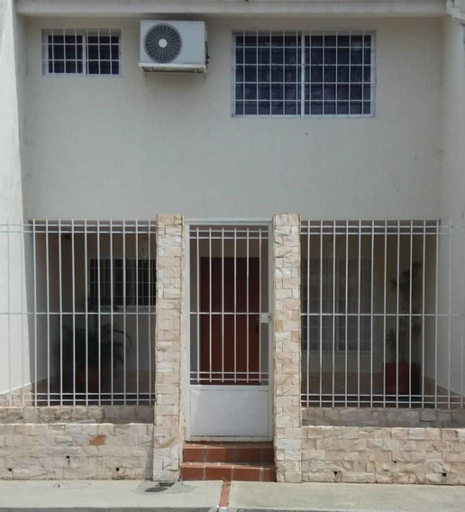 Amplia Y Confortable Casa Ubicada La Mejor Zona