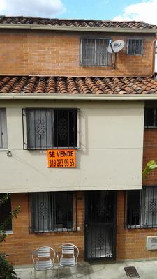 Loma De Los Bernal Casa De Tres Niveles, Tel: 319 283 99 55