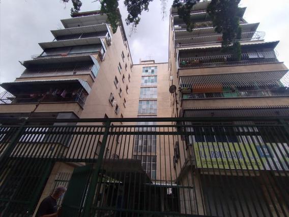 Apartamento Tipo Estudio En San Bernardino